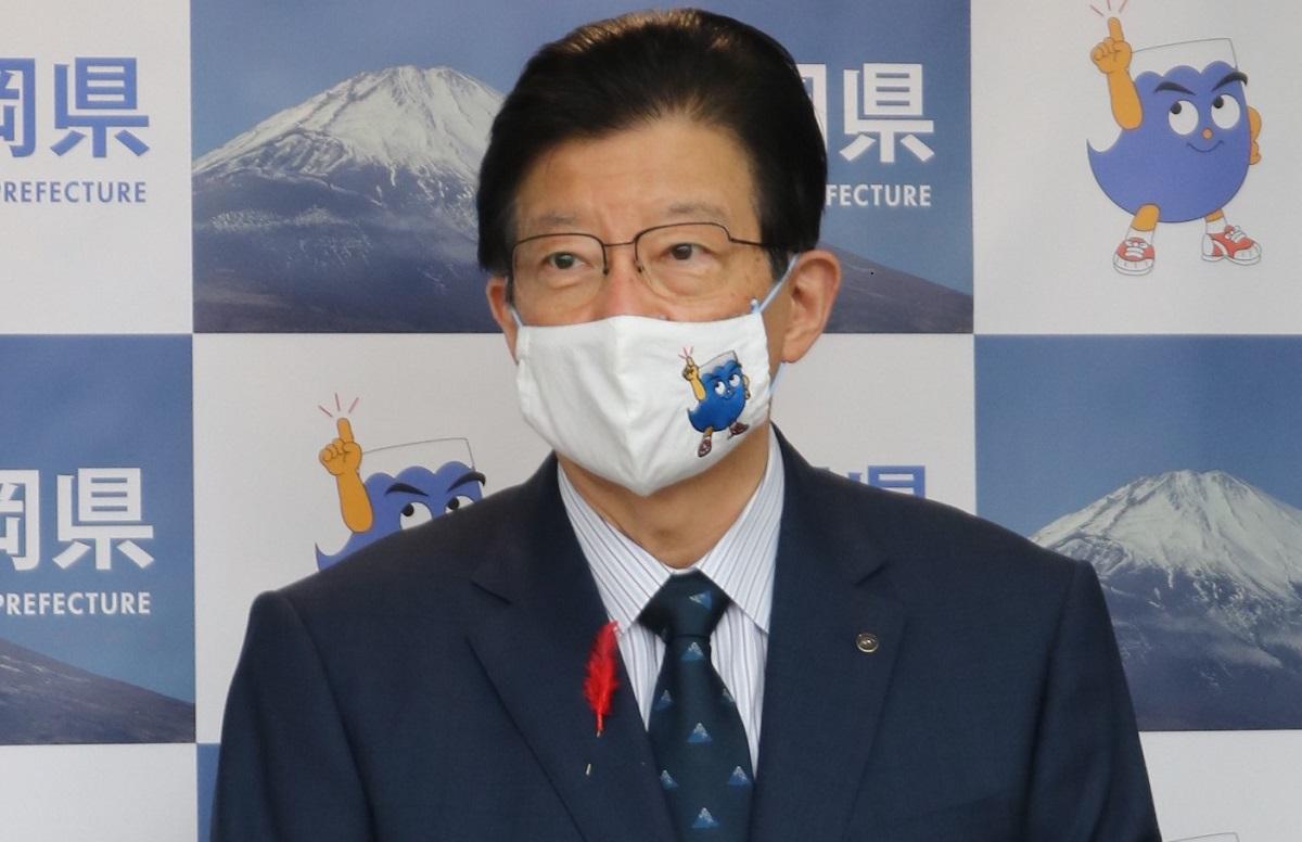 写真・図版 : 静岡県の川勝平太知事は、学術会議会員任命拒否問題について、当初は菅義偉首相の「教養のレベルが露呈した」と批判したが、後に「実際に任命拒否をした者が教養のレベルを問われる」と修正した