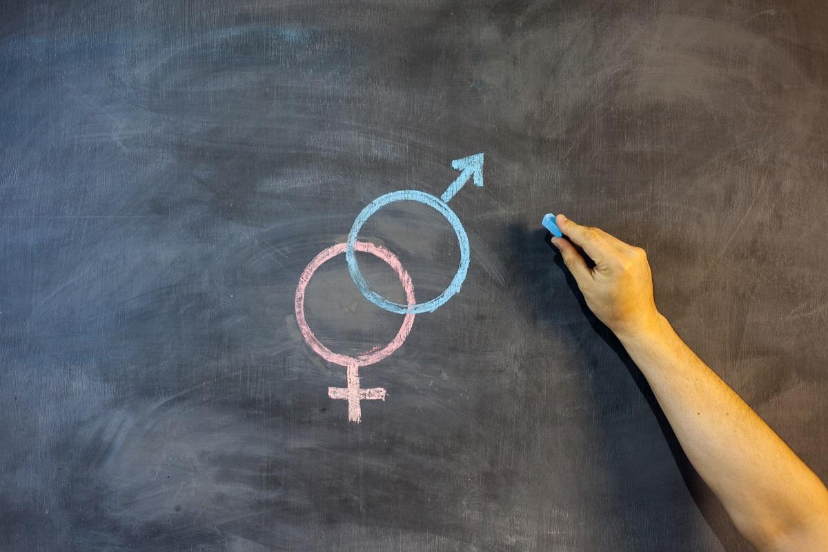 写真・図版 : 性犯罪の予防には広範な性教育が必要だ Larisa Rudenko/Shutterstock.com