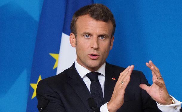 写真・図版 : フランスのマクロン大統領=2019年6月21日、ブリュッセル