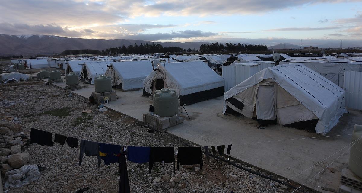 写真・図版 : レバノン・ベカー渓谷のシリア難民キャンプ ahmad zikri/Shutterstock.com