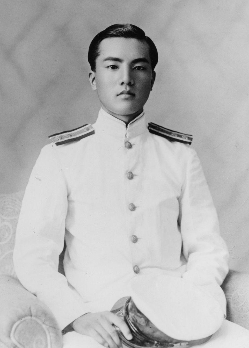 海軍主計中尉時代の中曽根康弘氏