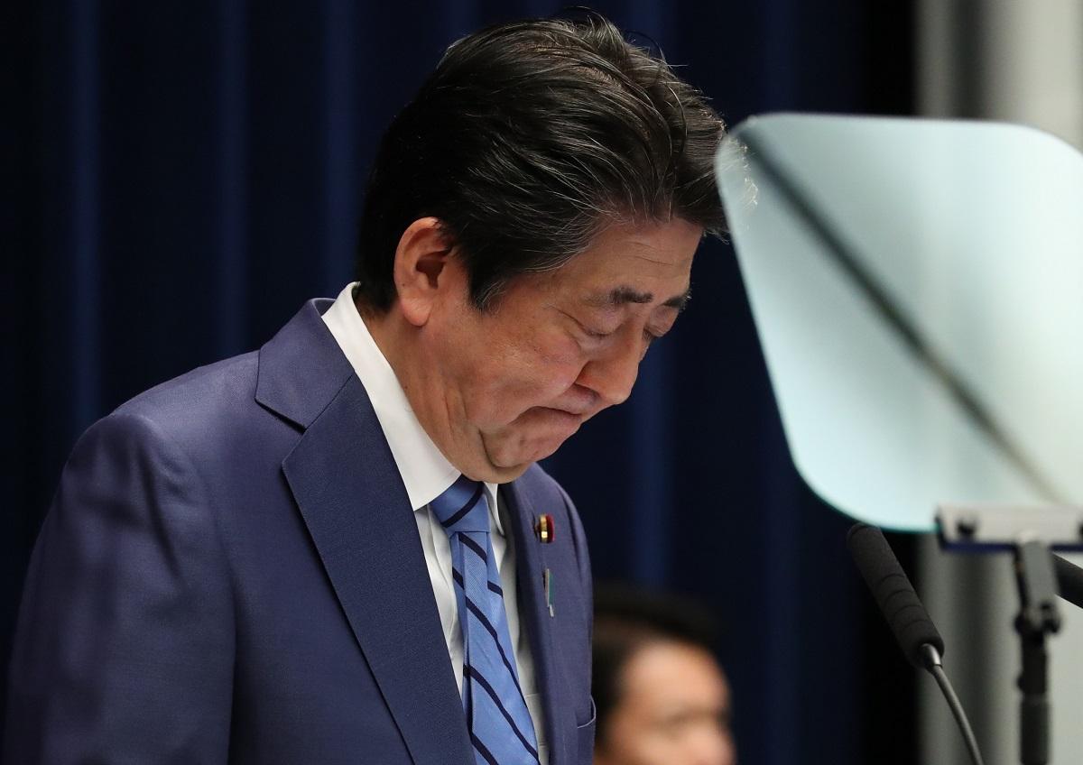写真・図版 : 2020年3月14日、記者会見での安倍晋三首相