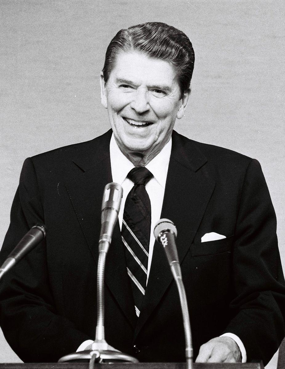 写真・図版 : レーガン大統領のもと、共和党は南部の保守層をつかんだ=1983年11月10日、東京、朝日新聞写真部撮影
