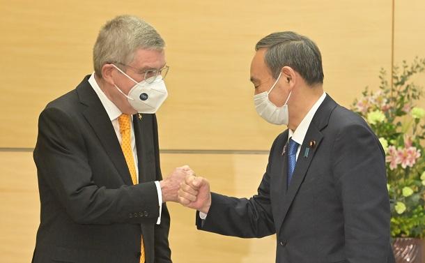 コロナ感染抑止はGo To政策の停止から
