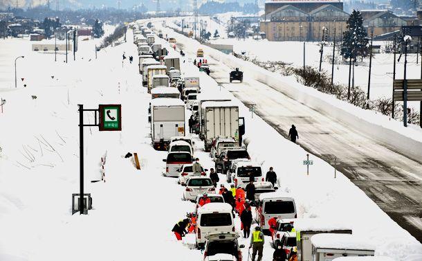 関越道の大量立ち往生を「予想外の大雪で…」で片付けてはいけない