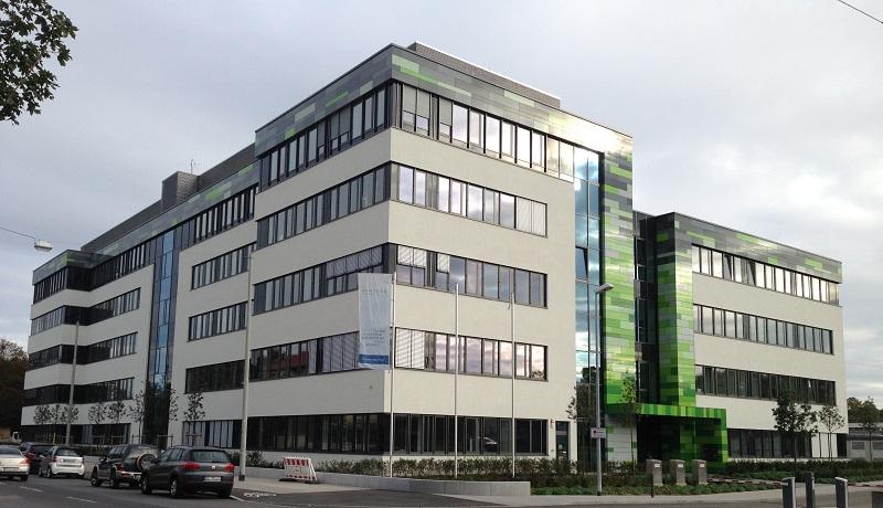 写真・図版 : ドイツ・マインツにあるビオンテック社=カリコ博士提供