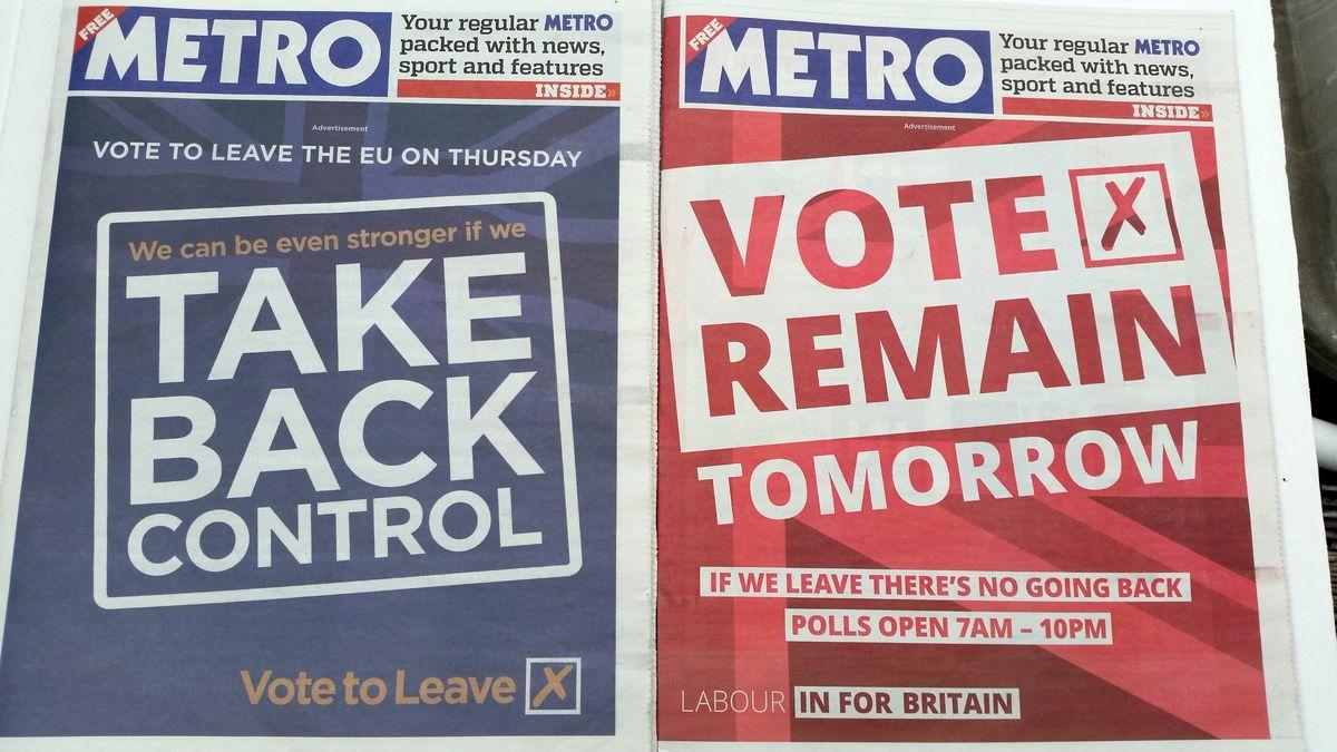 写真・図版 : 投票日の前日と前々日、「残留支持派」(右)「離脱支持派」(左)が「METRO」紙に出したラッピング広告。筆者撮影