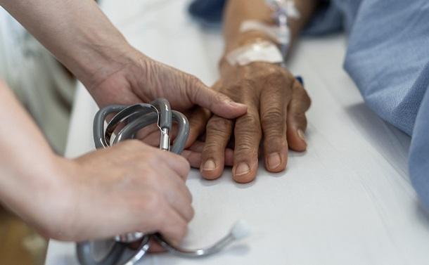 カナダで「死ぬ権利」の合法化を訴え続けたのは患者さんや家族だった