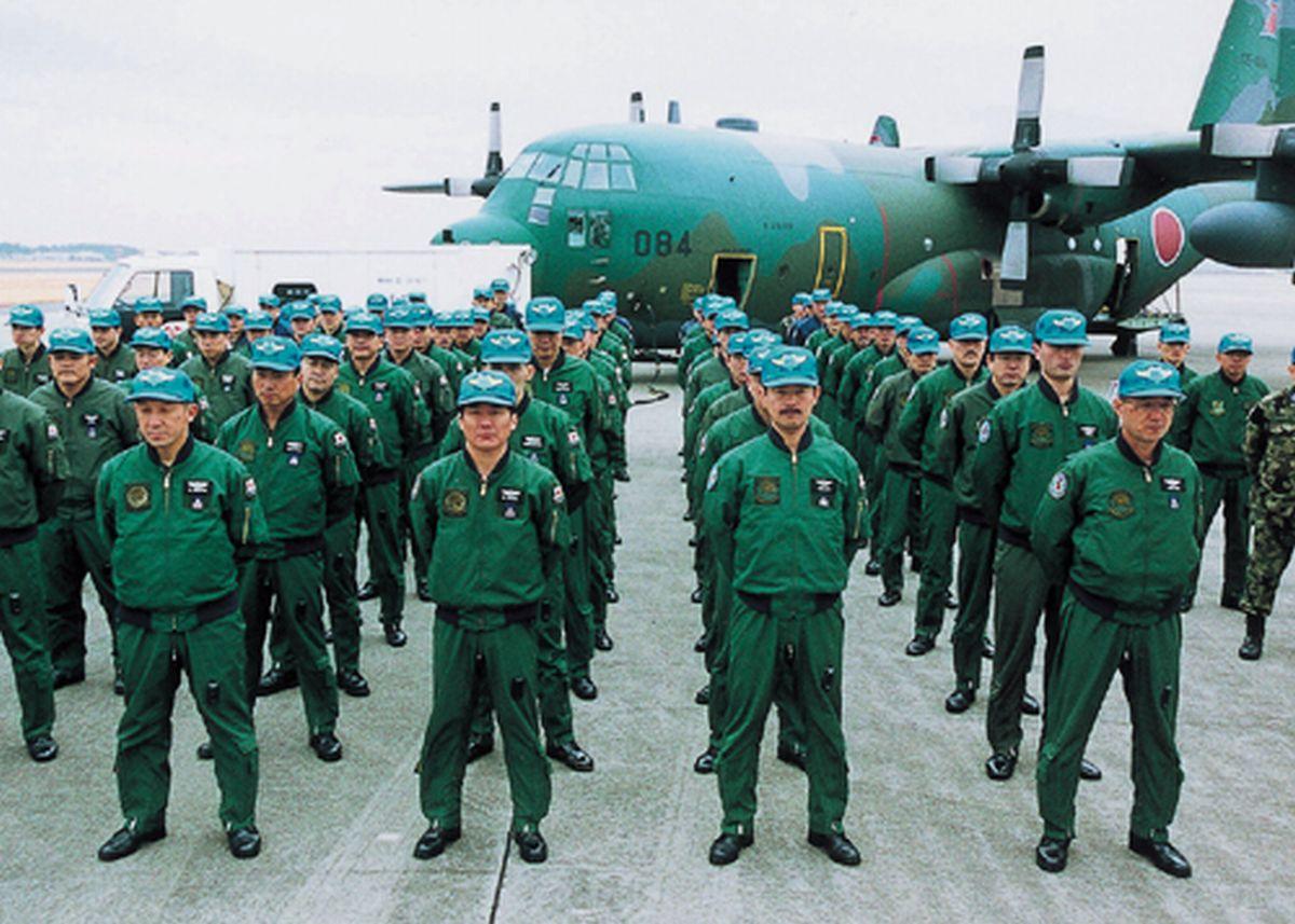 写真・図版 : 2001年に出発前のインド国際緊急援助空輸隊=防衛省のサイトより