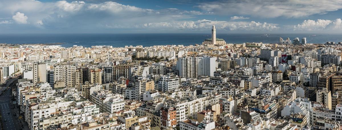 写真・図版 : モロッコ最大の都市カサブランカ Nessa Gnatoush/Shutterstock.com