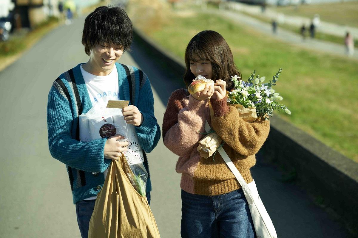 『花束みたいな恋をした』 2021年1月29日より全国公開中 配給:東京テアトル、リトルモア (C)2021『花束みたいな恋をした』製作委員会