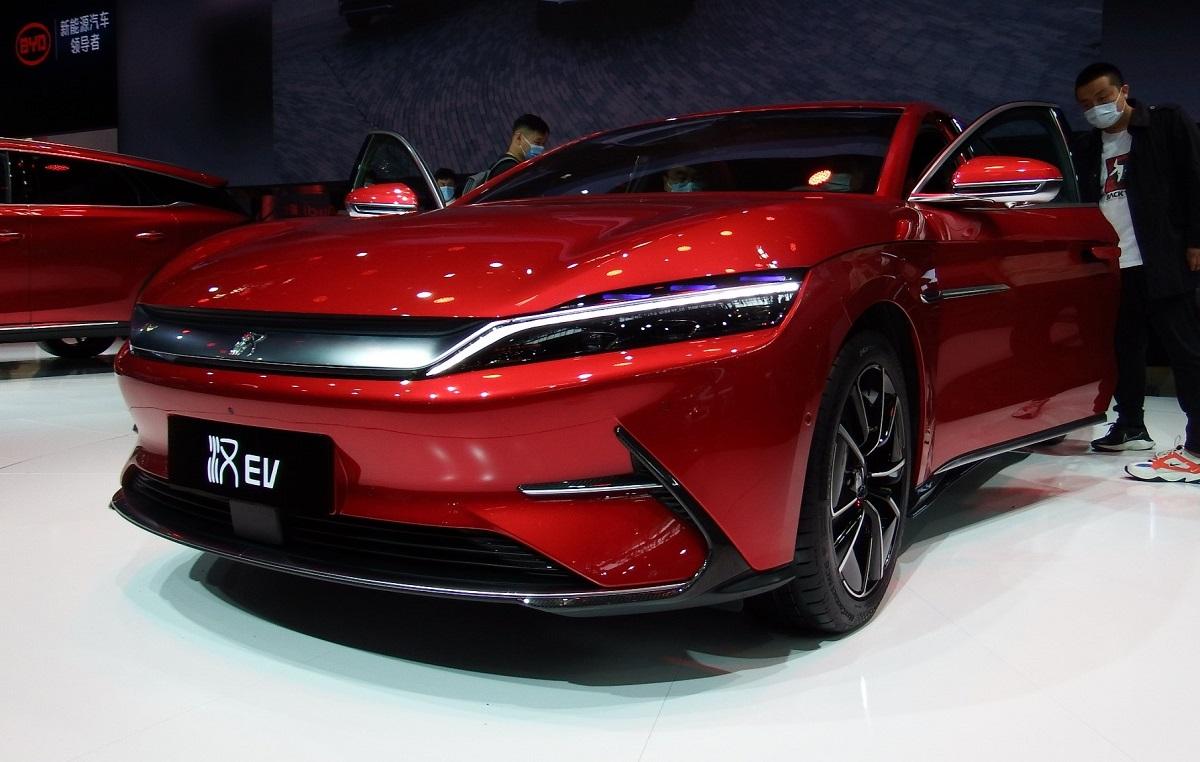 写真・図版 : 中国のEV車=2020年9月26日、北京