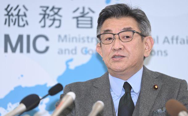 総務省接待問題、安倍・菅政権のコロナ対応があぶり出す「時代遅れ」な日本