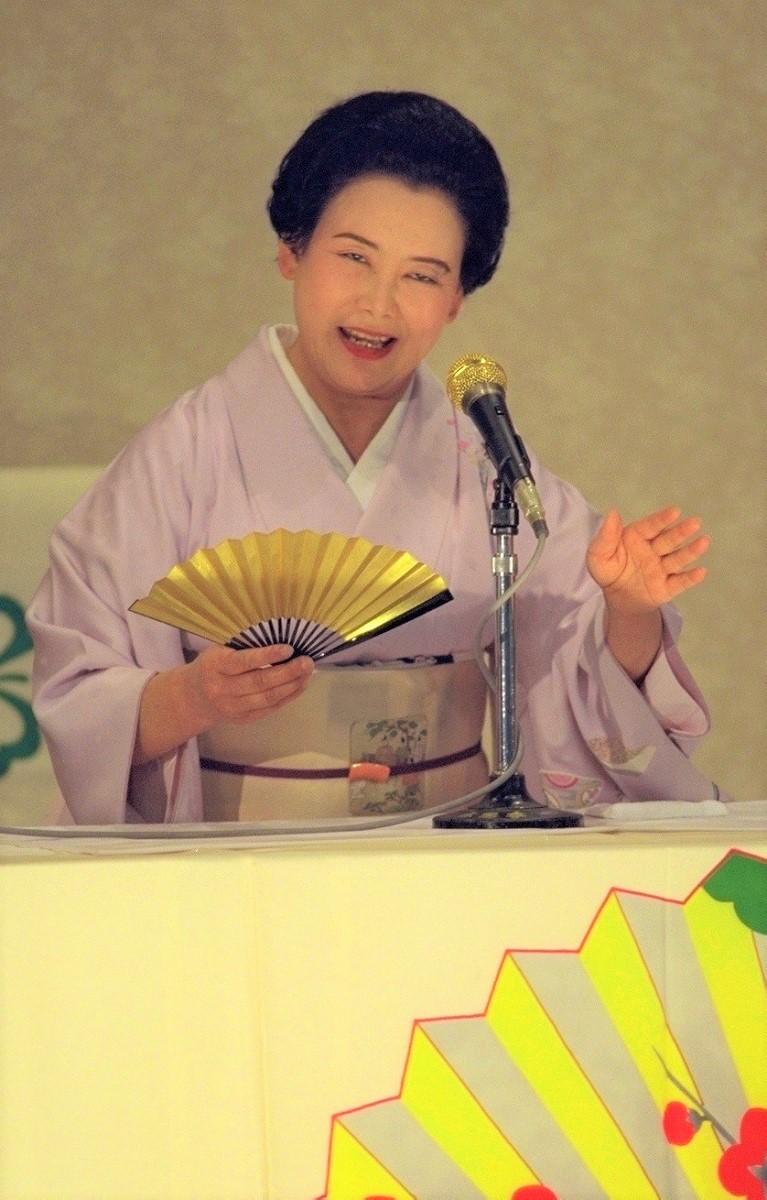 写真・図版 : 葵わか葉=1995年撮影