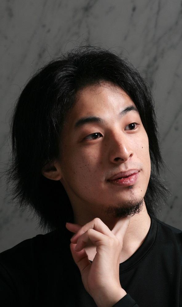 写真・図版 : 西村博之氏=2005年10月6日