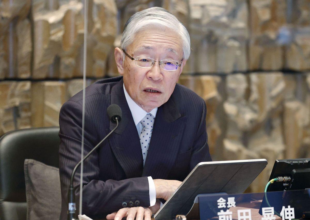 写真・図版 : 記者会見する前田晃伸NHK会長=2021年1月13日、東京都渋谷区