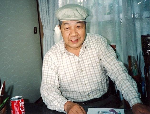 ご自宅で作業中の大塚康生さん。 撮影/筆者(1996年)