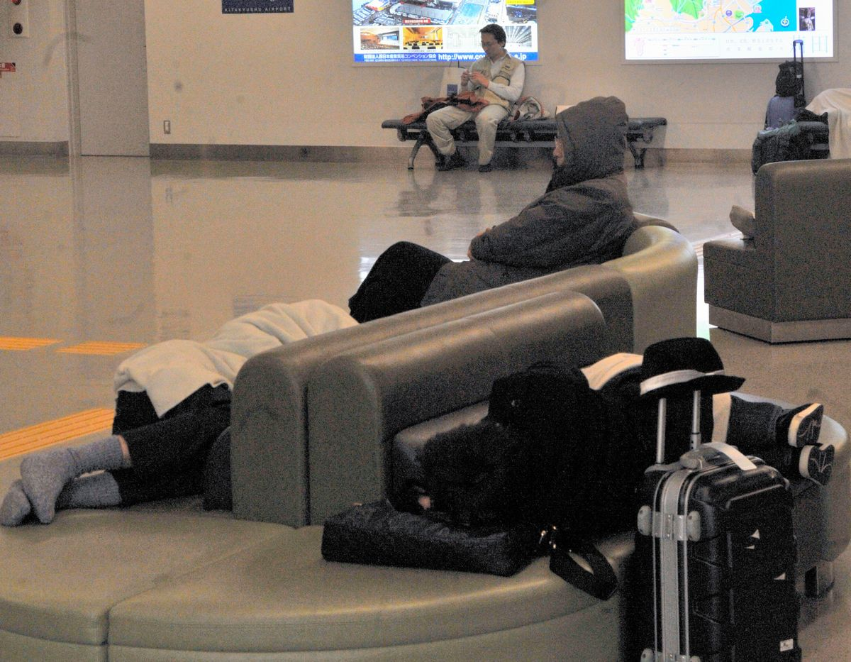 写真・図版 : 2011年、北九州空港=朝日新聞社