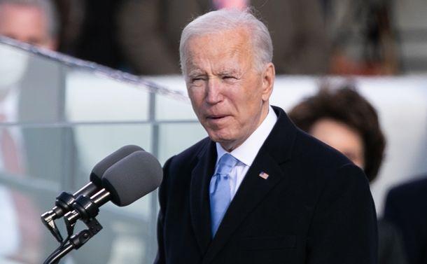 写真・図版 : バイデン米大統領=2021年1月20日、ワシントン、ランハム裕子撮影