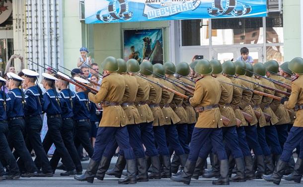 ロシアとウクライナの国境、一触即発の緊張状態