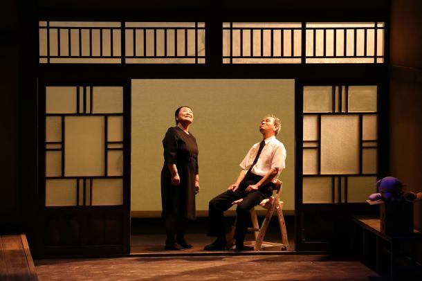 写真・図版 : 『東の風が吹くとき』の舞台=村井佳史撮影