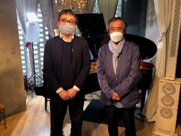 写真・図版 : ピアニスト海野雅威さんと=東京・下北沢で