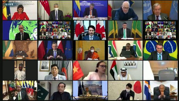 写真・図版 : 世界40カ国・地域の首脳らが参加した気候変動サミット。コロナ禍のためオンラインで開かれた=2021年4月22日、米国務省ウェブサイトの中継動画から