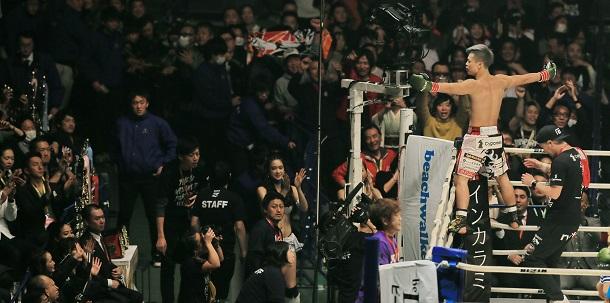 写真・図版 : キックボクシング界では抜群の人気を誇る那須川天心