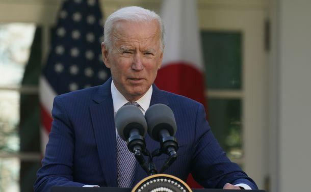 写真・図版 : バイデン米大統領=2021年4月16日、ワシントンのホワイトハウス、
