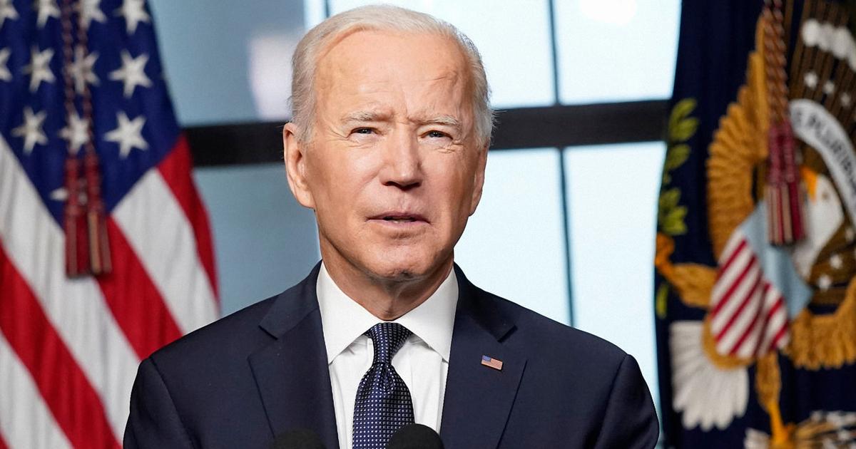 写真・図版 : 米軍のアフガニスタンからの撤退について語るバイデン米大統領(2021年4月14日)RedhoodStudios/shutterstock.com