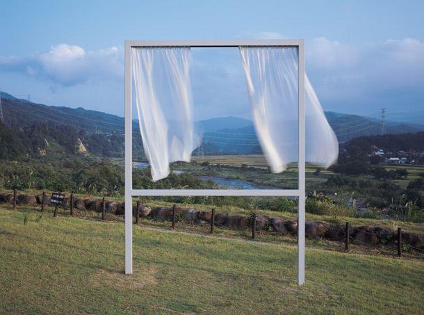 写真・図版 : 内海昭子「たくさんの失われた窓のために」(C)大地の芸術祭 越後妻有アートトリエンナーレ Photo: T. Kuratani