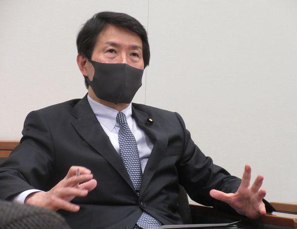 写真・図版 : 大塚耕平さん=2021年5月18日、衆議院第一議員会館