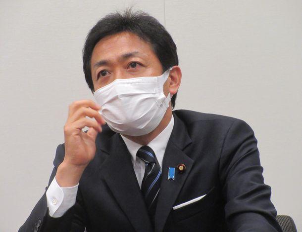 写真・図版 : 玉木雄一郎さん=2021年5月18日、衆議院第一議員会館
