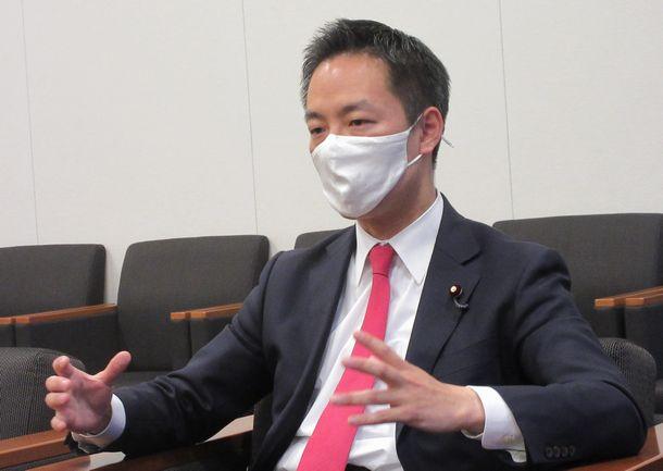 写真・図版 : 村井英樹さん=2021年6月1日、衆院第一議員会館
