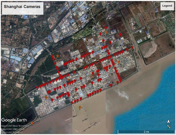 写真・図版 : 図:「上海金山区港防犯システム」から特定された監視カメラの位置。3km x 6kmほどのエリアに120ヶ所程のカメラから取られたデータが入っている。画像は「internet 2.0」提供。
