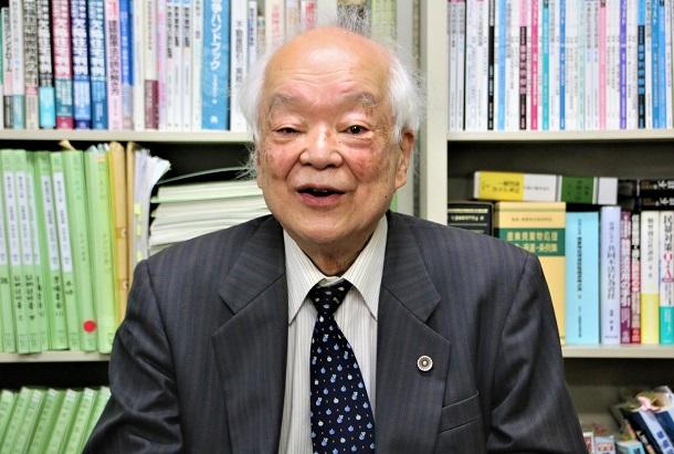 馬奈木昭雄弁護士
