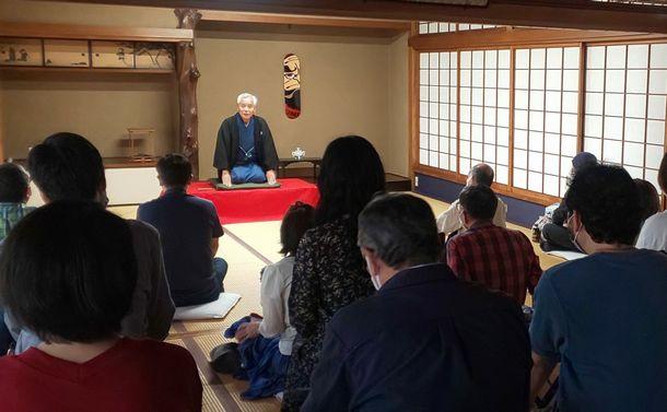写真・図版 : 東京・上野の宋雲院での正雀=2021年5月、正雀のツイッターから