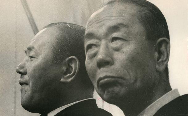 戦後史の空白を埋める『評伝福田赳夫』 田中角栄のライバルの実像