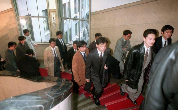 東京五輪・武藤事務総長の古傷 大蔵省接待汚職で危機管理に失敗