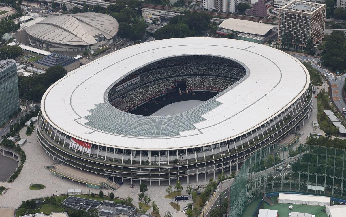写真・図版 : 五輪メイン会場となる国立競技場=東京都新宿区、朝日新聞社ゲリから