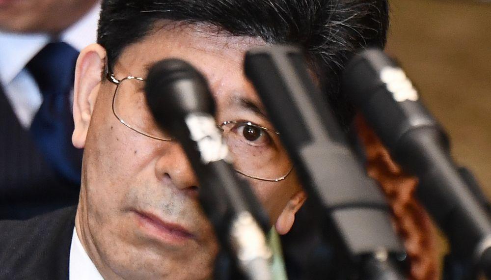 写真・図版 : 2018年3月、参院予算委の証人喚問に臨む佐川宣寿・元国税庁長官