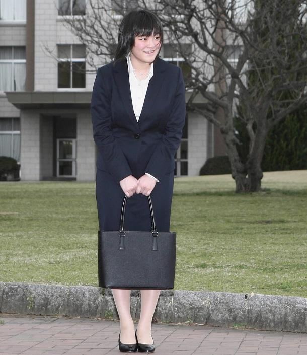 写真・図版 : 国際基督教大学の入学式に出席する眞子さま=2010年4月2日、代表撮影