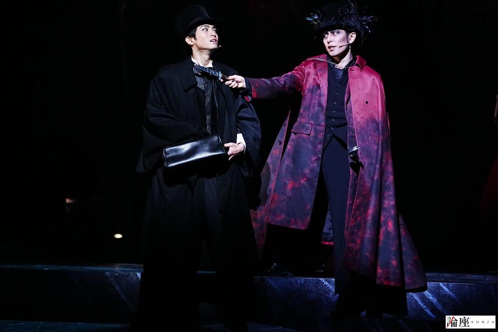『ジャック・ザ・リッパー』公演から、木村達成(左・ダニエル)、堂珍嘉邦(右・ジャック)=田中亜紀 撮影