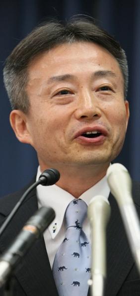 写真・図版 : 消費者庁長官に就任した福嶋浩彦さん
