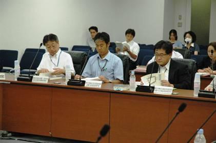 内閣府消費者委員会の専門調査会では厚労省の担当者からも事情を聴いた=2010年9月13日午後