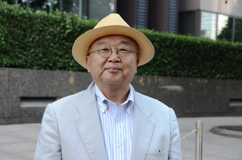 写真・図版 : <B>小俣 一平</B>(おまた・いっぺい)<B>氏</B><BR/> 東京都市大学メディア情報学部教授。<BR/> 1952年2月、大分県杵築市生まれ。早稲田大学大学院博士後期課程修了(博士・公共経営)。NHK鹿児島放送局、社会部で記者、司法キャップ、NHKスペシャル・エグゼクティブプロデューサーを歴任。出版社「弓立社(ゆだちしゃ)」代表。坂上遼の筆名で探訪記者。著書に『新聞・テレビは信頼を取り戻せるか』『消えた警官』『ロッキード秘録』『無念は力』など。