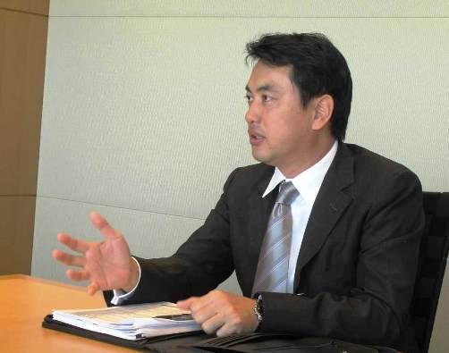 写真・図版 : <B>木村 裕</B>(きむら・ゆたか)<BR/> 弁護士・ニューヨーク州弁護士。<BR/> 2001年、東京大学法学部卒業。2008年、ニューヨーク大学ロースクールLL.M取得。東京オフィスのコーポレートM&Aグループに所属。2013年6月より2年間クアラルンプールオフィスに出向。主要な日本企業、外資系企業、プライベートエクイティファンドや投資銀行に対し、国内およびクロスボーダーM&A、企業再編、海外進出を含む一般企業法務に関するアドバイスを提供する。