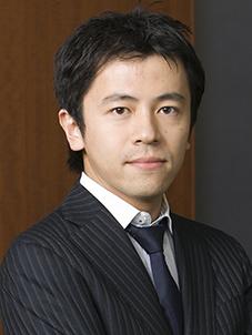 写真・図版 : <B>寺﨑 玄</B>(てらざき・まこと)<br/> 2004年3月、東京大学法学部卒。2006年3月、東京大学法科大学院修了(法務博士 (専門職))。2007年12月、司法修習(60期)を経て弁護士登録(第一東京弁護士会)。2008年1月、当事務所入所。2008年10月から2010年3月まで東京大学法科大学院非常勤講師。2011年12月から2013年6月まで国土交通省航空局に出向。2013年8月、当事務所復帰。
