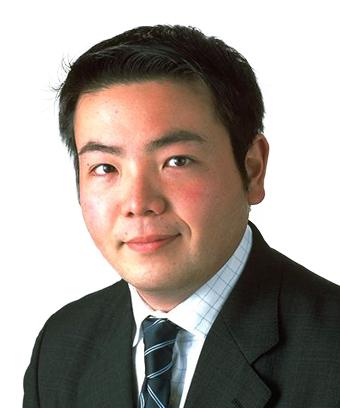 写真・図版 : <b>折原 康貴</b>(おりはら・やすたか)<br/> 弁護士・ニューヨーク州弁護士。<br/> 2000年、一橋大学法学部卒業。2008年ノースウェスタン大学ロースクールLL.M.取得。<br/> 東京オフィスのコーポレートM&Aグループに所属。2012年9月より2年間台北オフィスに出向。おもに、日本企業、外国企業の関与する国内及びクロスボーダーM&A、企業再編、日本企業の海外進出を含む一般企業法務に関するアドバイスを提供する。