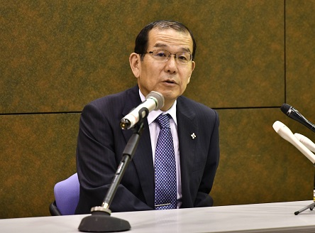 写真・図版 : 仙台高検検事長に就任した稲田伸夫氏=仙台市青葉区
